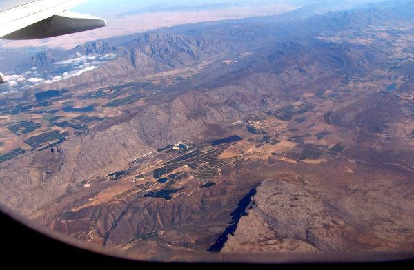 Hugobosberg, Witsenberg (to the right of the Tulbagh valley) and Agter Witsenberg depression, taken from a plane coming in to land at Cape Town International Airport.