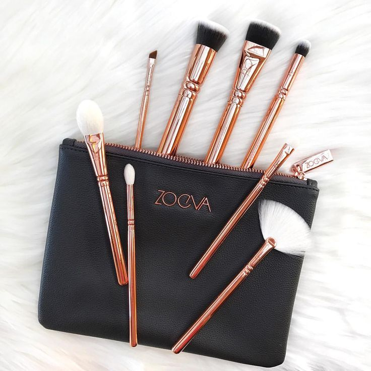 "827 Likes, 41 Comments - Kels (@wellnessbykels) on Instagram: ""Zoeva makes some of my favourite brushes (and makeup) ever! What is your favourite brush brand?…"""