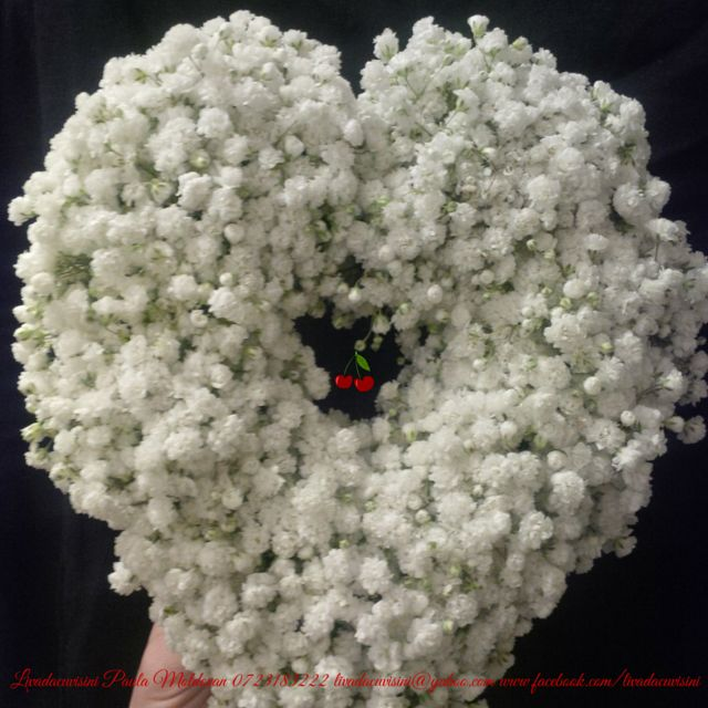 #heart #white as #snow #flowers #inima #cadou #sayitwithflowers #madewithjoy #paulamoldovan #livadacuvisini #happyflorist #bucuresti #bucharest