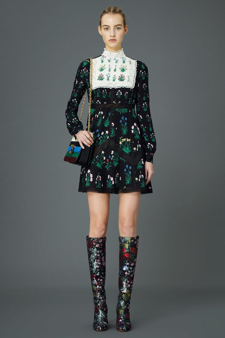 Valentino Pre-Fall 2015 Fashion Show
