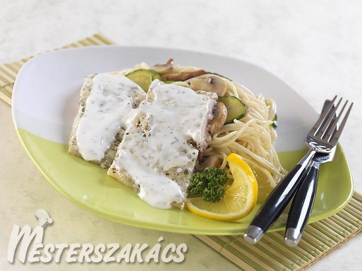 Tárkonyos halfilé zöldséges  tésztaágyon recept