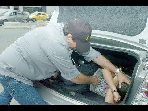 Roban Niños en Mexico Guadalajara Leon Tultitlan Izcalli Coacalco http://youtu.be/9i2AsZGOCHw Están Robando niños para vender sus organos en Jalisco Tultitlan Leon Guanajuato Coacalco En todas partes se esta dando esto del secuestro. ________________________ POR FAVOR COMENTA ________________________ 1.- Estado 2.- Ciudad 3.- Personas secuestradas para todos tomar nuestras precauciones Esto no dirá en las noticias así que tomen sus precauciones…