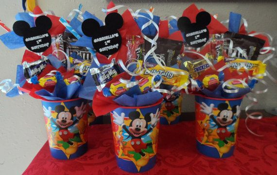 Los paqueticos para los niños al momento q ya se van. Mickey Mouse Clubhouse Kids Candy Party Favors