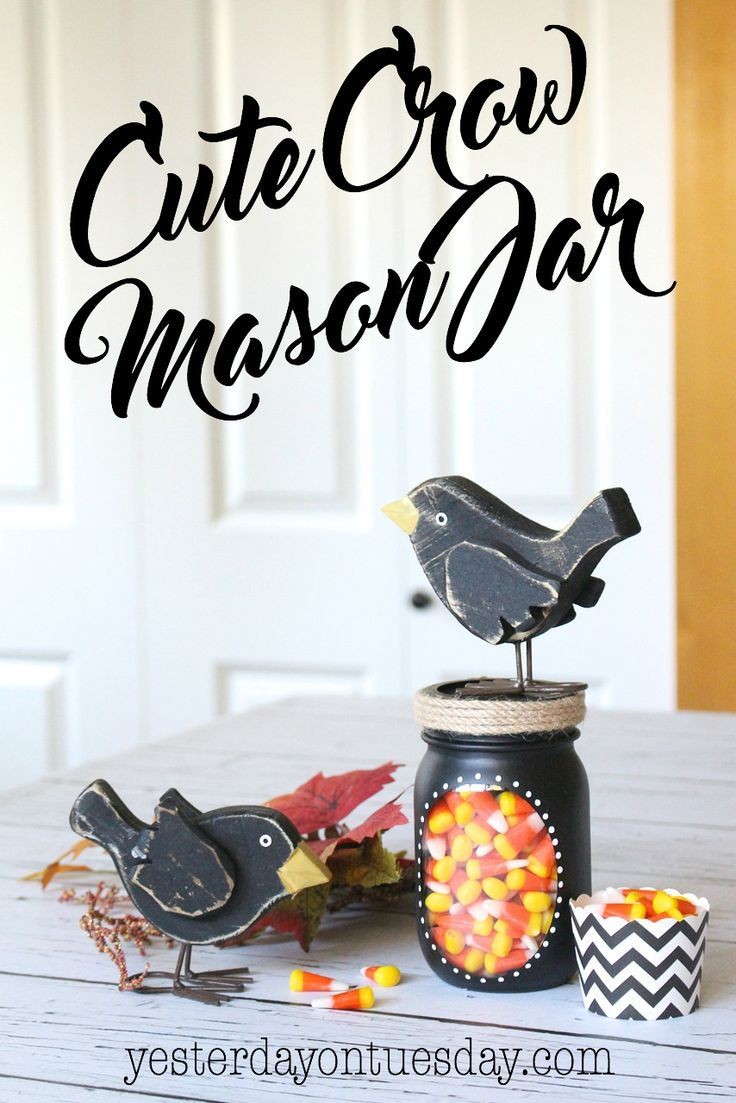 Cute Crow Mason Jar Gift: Fun fall decor or present idea! mason jars   crow   fall   candy corn   gift   autumn