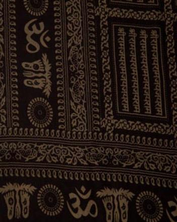 Fall Om Mantra Karma in Black/Champagne