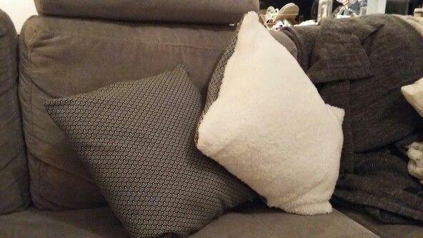 Couture: coussins imprimés/fourrure le combo qui casse les classiques et qui va bien !