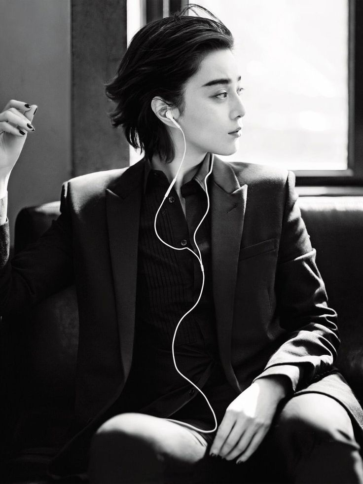 ‏@linbhu: you've all seen fan bingbing in her dresses but have y'all seen her in a suit