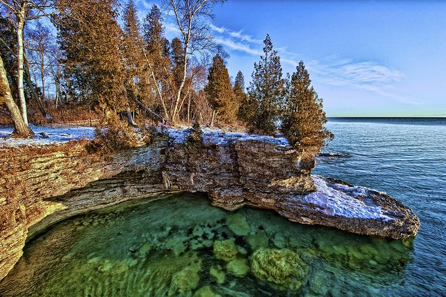 Cave Point Park, Bailey's Harbor, Door County, Wisconsin. (Photo by elviskennedy, 2012)