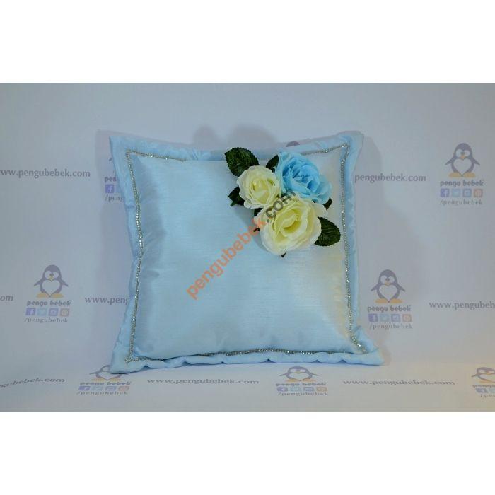 Güllü Takı Yastığı ile misafirleriniz hediyelerini, çok sevimli bir takı yastığına takabilirler. Pengu Bebek