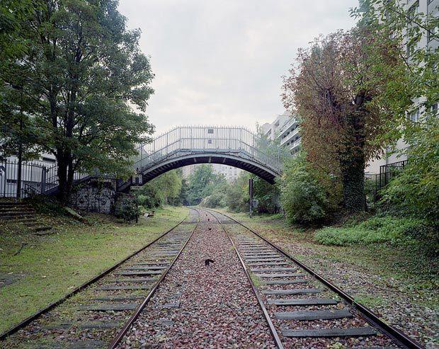 Pierre-Folk_By-the-silent-line_06