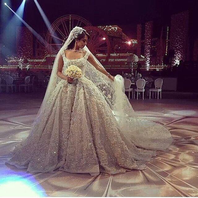 Most beautiful Elie Saab wedding dress #larmoiredelana