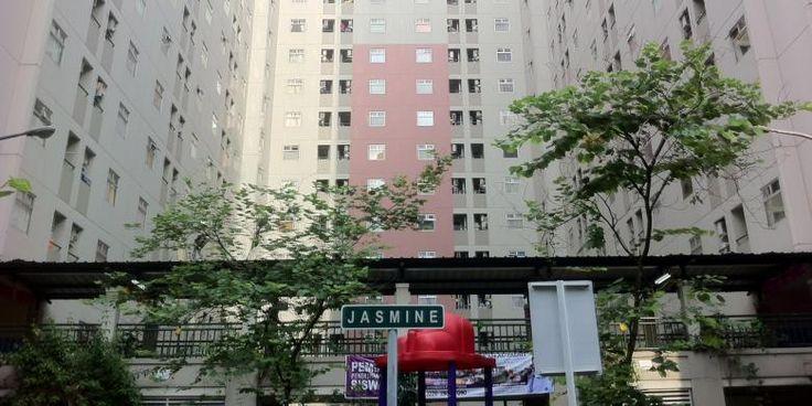 Hidup di Kalibata City, Tak Mengenal Tetangga Sebelah Kanan dan Kiri... | 24/01/2015 | JAKARTA, KOMPAS.com - Kehidupan sosial di rusunami rupanya jauh berbeda dengan di perumahan tapak (landed house). Bila di perumahan Anda dapat mengenal siapa tetangga sebelah kiri, kanan, depan, dan belakang ... http://news.propertidata.com/hidup-di-kalibata-city-tak-mengenal-tetangga-sebelah-kanan-dan-kiri/ #properti #rumah #jakarta