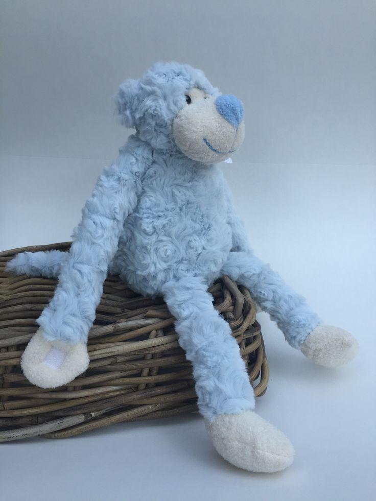 Knuffel #aap blauw Kraamkado #kraamcadeau #baby #babykado #geboortekado #babykamer #babyshower op www.hummelkado.nl