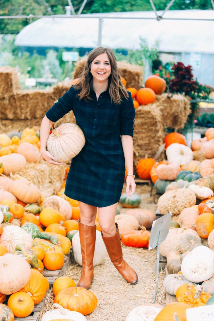 I chose to style the Dakota Dress by Lauren James by keeping it simple and pairing it with my go-to fall riding boots and minimal jewelry.