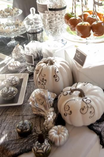 Hostess with the Mostess® - Spooky Halloween Party
