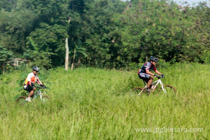 Jalur Pipa Gas Mountain Bike Park kawasan Perigi Lengkong Bumi Serpong Damai