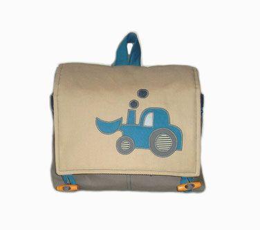 Handgefertigter Kinderrucksack und Kindergartenrucksack sowie eine Kindergartentasche mit Namen, Farben und genau dem, was dein Kind am meisten liebt.