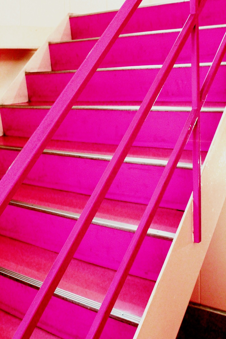 Kyoto Pink Factory  http://www.hilltop21.co.jp/ #pink #interior #furniture HILLTOP京都本社の階段です!