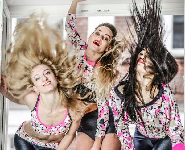 Gift tip for dancers, bikram yogis, pilates lovers, fitness addicts, runners... Siluet YOGA WEAR #siluetyogawear #madewithloveforyou