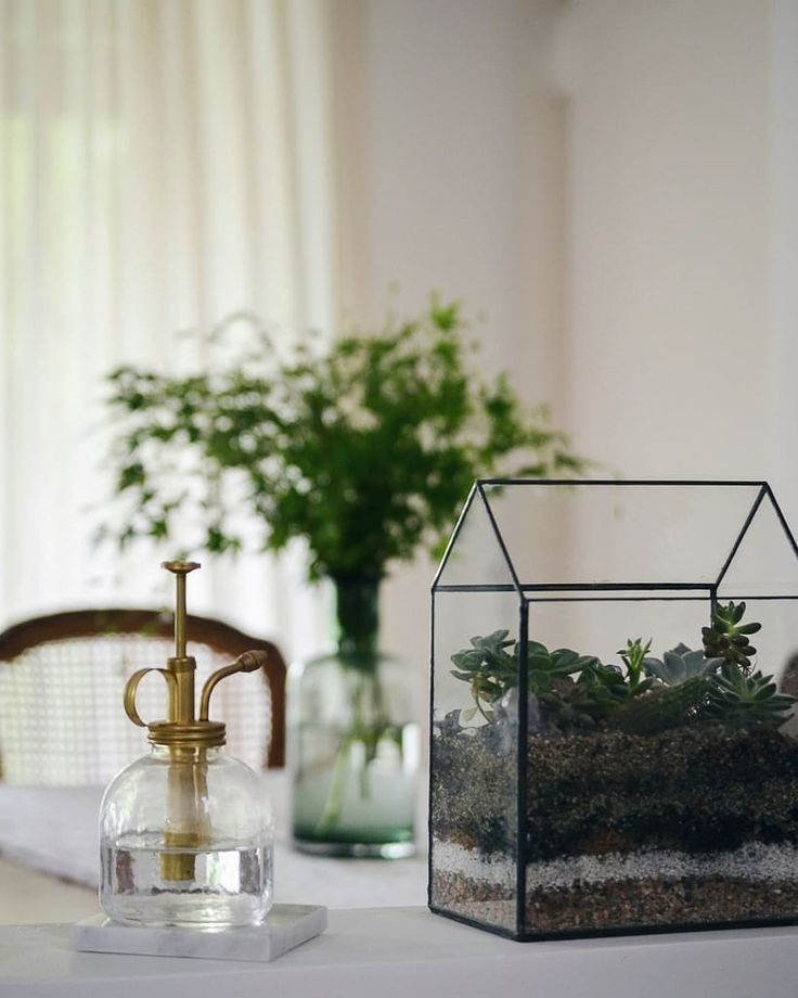 Vero Palazzo - Home Deco Bon Weekend, Square Foot Gardening, Palazzo, Terrarium, Glass Vase, Instagram, Gold, Gardens, Urban