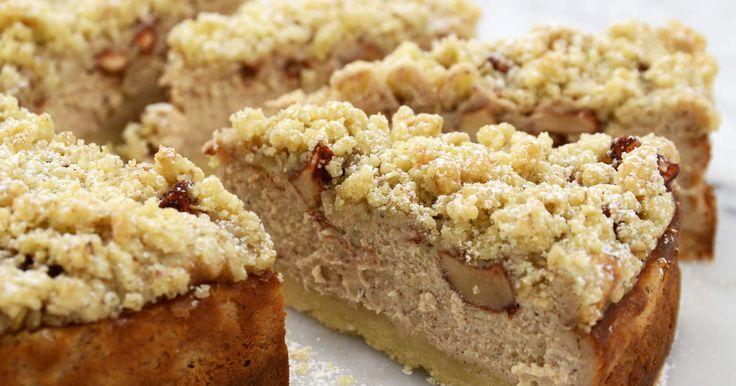 Äppelpaj + Cheesecake = sant! Självklart blir det dubbelt så gott om du slår ihop två favoritkakor!