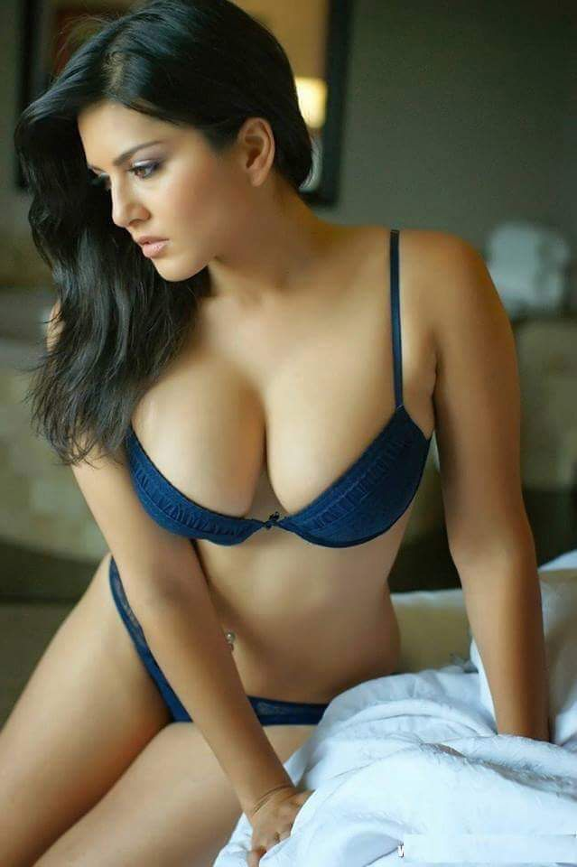 ... Sunny Leone, Funny Photos, Hot Photo, Hot Girl, Sunny Leone Photos