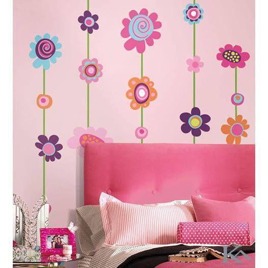 Invioreaza ziua dar si peretii cu un pic de roz!  #stickerflower