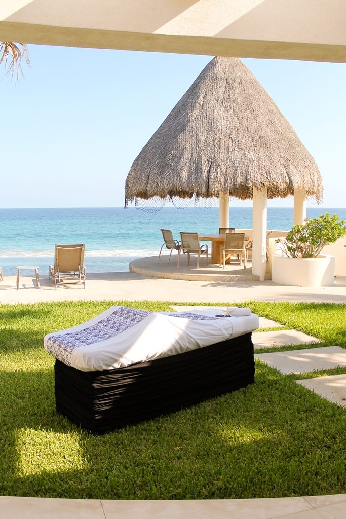 Relaxing massage by the water in Los Cabos #mobilespa #massage #vacation #relax
