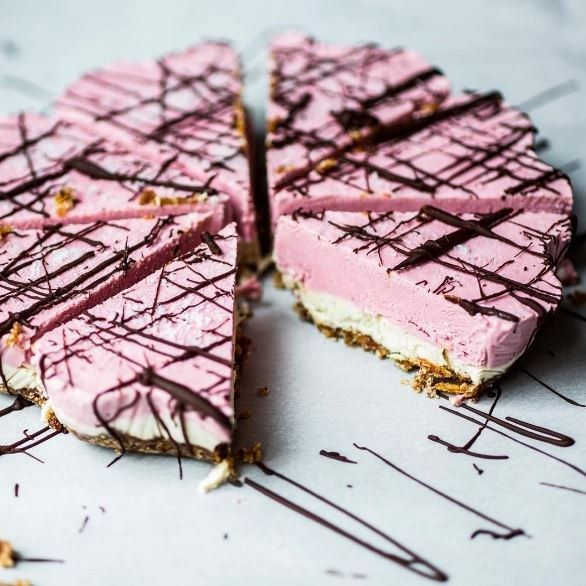Erdbeer-Ice-Cake