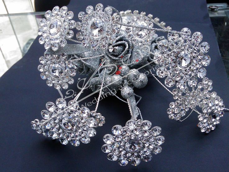 handmade crystal flower bouquet  inlaid with crystals and rhinestones brooch bouquet ,crystal bouquet ,bouquet jewelry inlaid with crystals