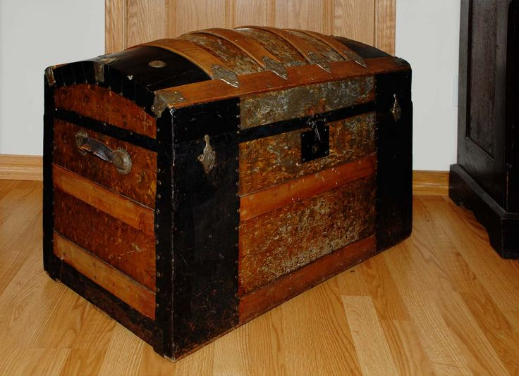 antique steamer trunk treasure chest