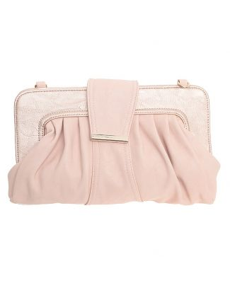 Bolsa Cklass rosa. Modelo satchel de superficie lisa, detalles fruncidos, broches de imán y asa de hombro. Hecha de material sintético, forro textil estampado y compartimento con cierre.
