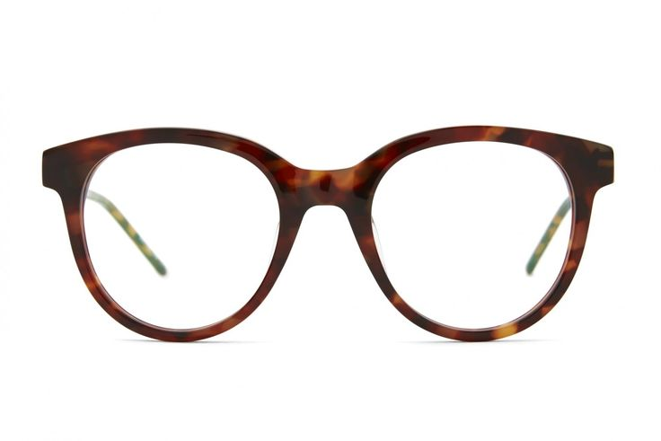 BOOM.BOOM. I No fuss – no nonsense – just a downright, good-looking frame. Classic shiny Mid Havana acetate.