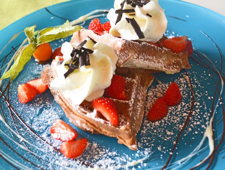 Now we have Brussel wafels with strawberries and cream!