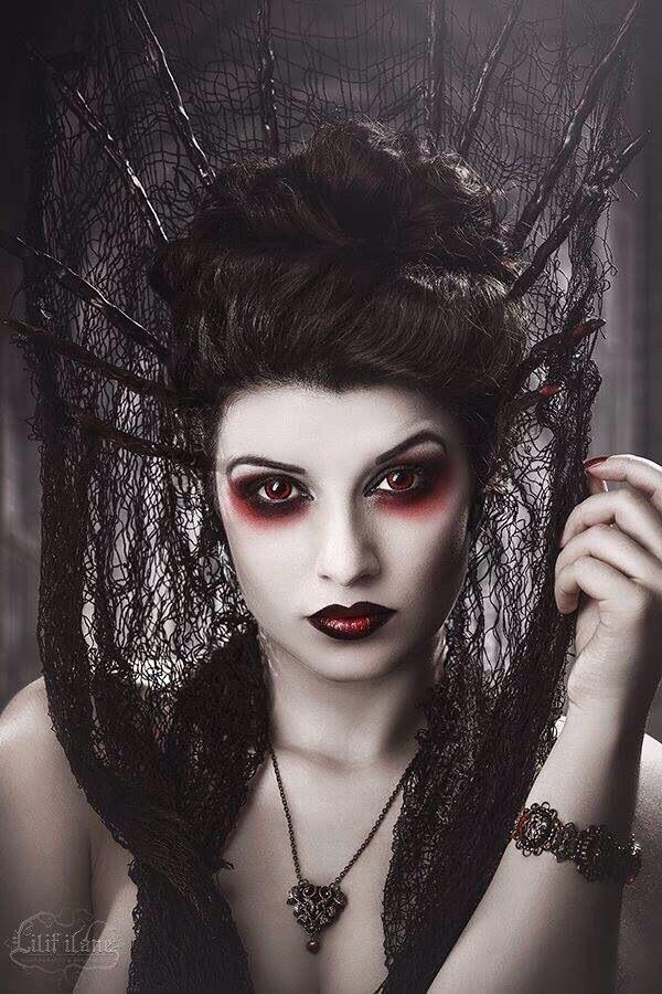 Evil queen look