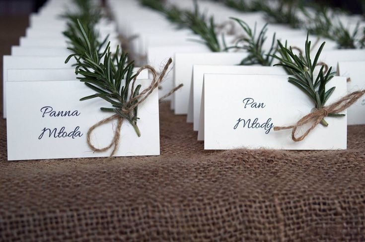 winietki z gałązkami rozmarynu / placecards with rosemary