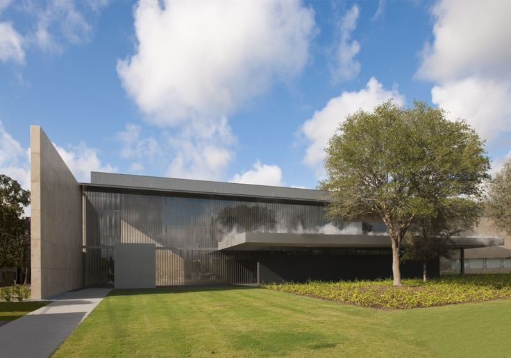 Asia Society Texas Center by Yoshio Taniguchi. Check out the steam pool on top of the entry roof. #Museum