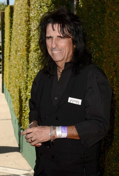 Alice Cooper Photos - Musician Alice Cooper attends the John Varvatos 10th Annual Stuart House Benefit presented by Chrysler, Kids Tent by Hasbro Studios, at John Varvatos Los Angeles on March 10, 2013 in Los Angeles, California. - 10th Annual John Varvatos Annual Stuart House Benefit 4