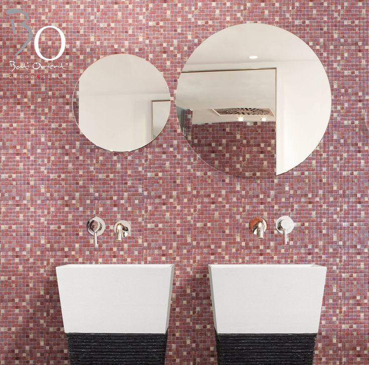 Marbre rose verre et vasque sur pied blanc et noir par Bati Orient