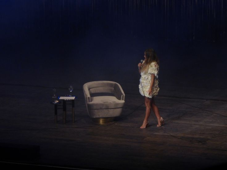 Confira meu projeto do @Behance: \u201cGisela João   Coliseu do Porto\u201d https://www.behance.net/gallery/51030587/Gisela-Joao-Coliseu-do-Porto