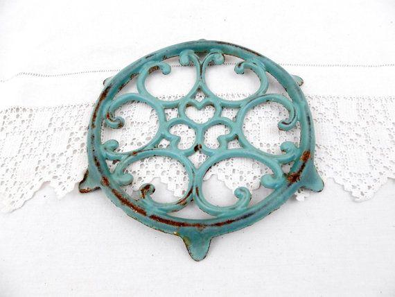 Ronde antieke Franse gietijzer warmte Turquoise spaaachtig glazuur onderzetters, Hot Plate, Mat, Cottage keukengerei, Franse land Decor, keukengerei