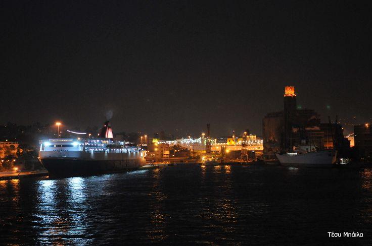 Νυχτερινός Πειραιάς