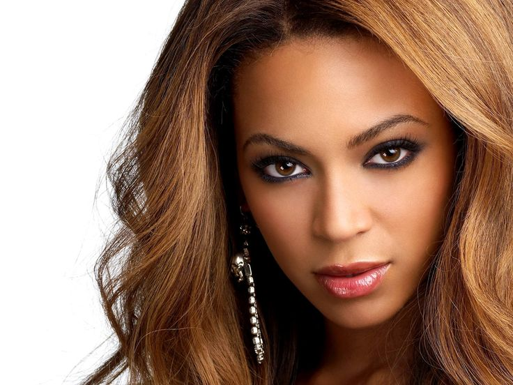 Los mejores colores de pelo para mujeres de piel morena - http://www.entrepeinados.com/los-mejores-colores-de-pelo-para-mujeres-de-piel-morena.html