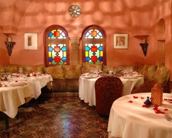 http://media-cdn.tripadvisor.com/media/photo-s/02/d7/32/6e/darna-moroccan-restaurant.jpg