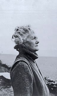 Daphne DuMaurier ~ When one is writing a novel in the first person, one must be that person.  Daphne du Maurier Read more at http://www.brainyquote.com/quotes/authors/d/daphne_du_maurier.html#YwtWHyv6s96i6zbz.99 Read more at http://www.brainyquote.com/quotes/authors/d/daphne_du_maurier.html#YwtWHyv6s96i6zbz.99