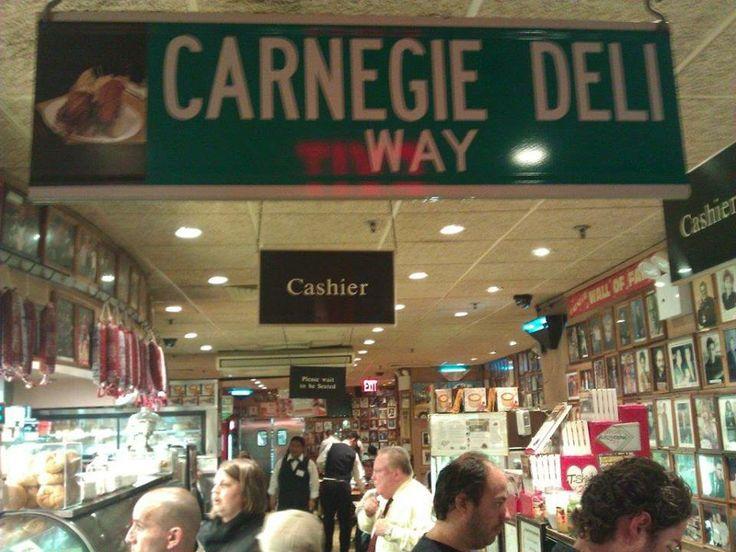 40 koltuklu restoran şimdilerde 120 kişiyi ağırlıyor. Her seferinde dolu. Paket servis kuyruğu hiç bitmiyor... Daha fazla bilgi ve fotoğraf için; http://www.geziyorum.net/carnegie-deli/