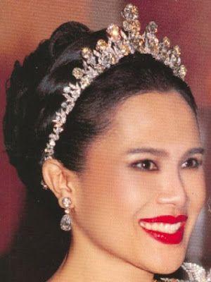 Tiara Mania: Queen Sirikit of Thailand's Diamond Tiara
