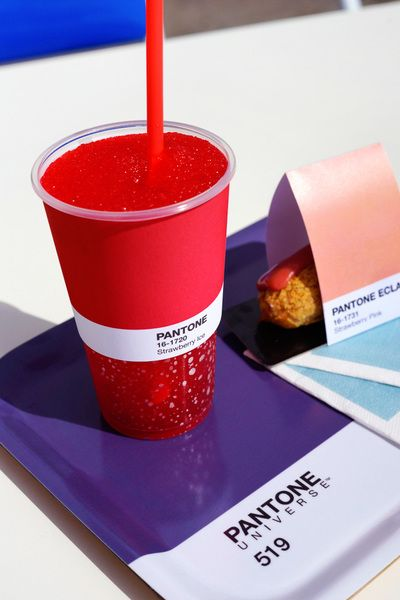 「PANTONEカラーを味わう」カフェがモナコに初出店、メニューは色番号で表示 | Fashionsnap.com