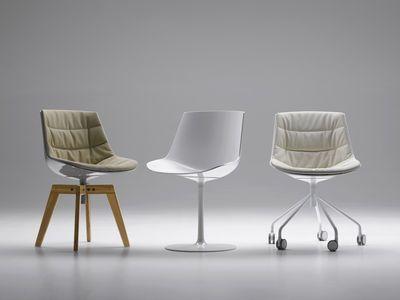 Chaise pivotante Flow / 4 pieds droits chêne Blanc brillant / Piètement chêne - MDF Italia