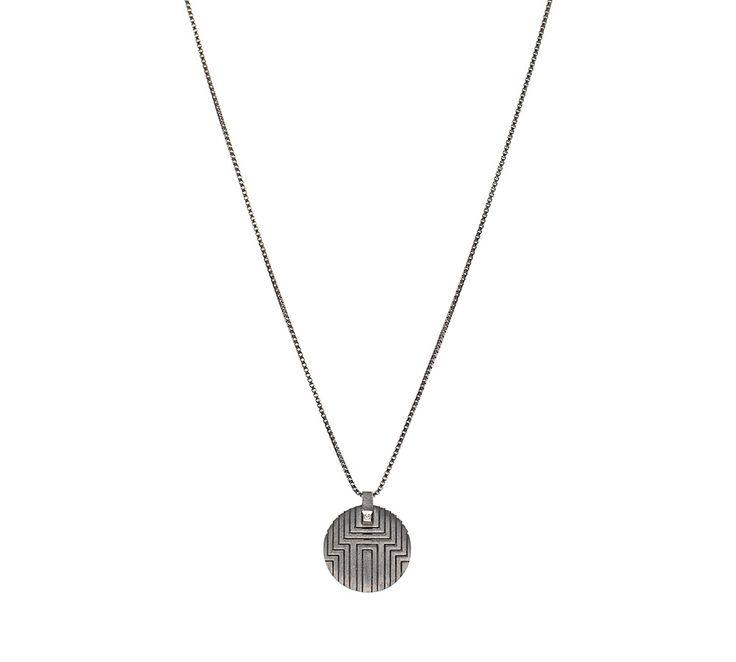 Boyo halskæde fra Maria Black! En mega flot halskæde der er udført i oxideret sølv, med et flot mønster og diamant <3 #boyo #mariablackjewellery #smykker #jewellery #necklace